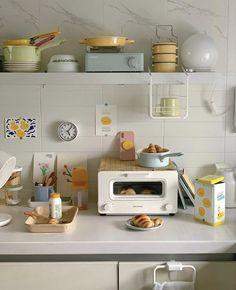 Apartment Interior, Kitchen Interior, Kitchen Design, Studio Apartment, Dream Apartment, Apartment Kitchen, Pastel Room, Cute Kitchen, Kitchen Cart