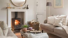 Enjoy boutique luxury at Kitty's Cottage - St Agnes. Country Cottage Living, Cottage Living Rooms, Coastal Living Rooms, Living Spaces, Boutique Retreats, St Agnes, Light Pull, Outlet Covers, Coastal Decor