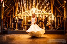 First Dance #Wedding - Photography by LinaandTom.com
