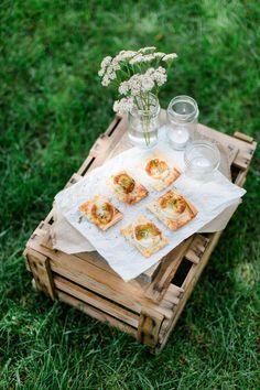 Picknick Rezept: Herzhafte Ziegenkäse-Teilchen