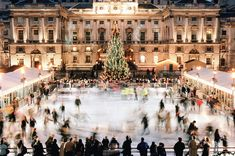 Christmas in London - It might involve a hot drink at the oldest bar in the city, a spin around the ice rink at Somerset House, and yes, a mince pie. Weihnachten In London, Winter Breaks, Visit Oxford, 19th Century London, Old Bar, London Tours, London Travel, Ice Rink, Christmas Aesthetic