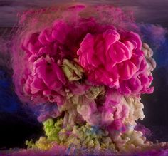 Kim Keever Photographs Unpredictable Abstract Displays of Color (14 pictures)