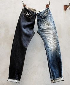 If you have yet to discover raw or selvedge denim, you're missing a trick! Just what is raw denim & how did selvedge jeans become the must-have item? Denim Vintage, Raw Denim, Denim Outfit, Denim Pants, Denim Shirts, Denham Jeans, Denim Display, A Well Traveled Woman, Outfits