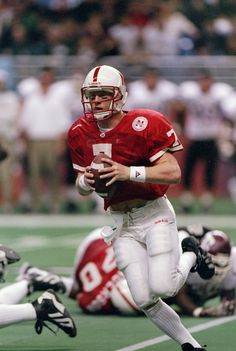 The 50 Greatest Players in Nebraska Cornhuskers Football Scott Frost Nebraska Cornhuskers Football, Nebraska Football, College Football Teams, Oregon Ducks Football, Notre Dame Football, Ohio State Football, Football Players, American Football, Football Background