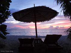 Evening. Reethi Beach. The Maldives. www.victortravelblog.com/2012/11/19/vilamendhoo-island-resort-and-reethi-beach-resort/