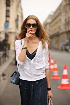 smoko. #OndriaHardin #offduty in Paris.