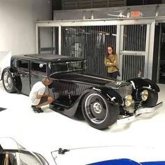 droped, channeled, sectioned, chopped Al Capone gangst'r car Classic Sports Cars, Classic Cars, Bespoke Cars, Jaguar Xj, Best Luxury Cars, Vintage Trucks, Car Photos, Car Car, Cool Bikes