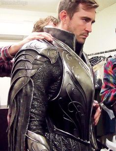 A really nice shot of Thranduil's armor (and Lee Pace looking super serious, of course)