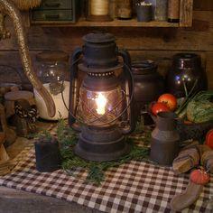 http://www.picturetrail.com/sweetliberty  Primitive barn lamp