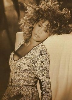 Robyn Crawford on Whitney Houston – The Passions of Lust Noir Beautiful Black Women, Beautiful People, Whitney Houston Pictures, Whitney Houston 80s, Divas, I Look To You, Beautiful Voice, Music Icon, Female Singers