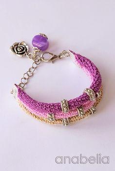Crochet bracelet by Anabelia