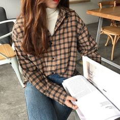 10 Awesome Ideas to Keep Up with the Flannel Trend - Fashion Inspiration and Dis. - 10 Awesome Ideas to Keep Up with the Flannel Trend – Fashion Inspiration and Discovery – 10 Awe - Vintage Outfits, Retro Outfits, Grunge Outfits, Casual Outfits, Summer Outfits, Vintage Fashion, Trend Fashion, Look Fashion, 2000s Fashion