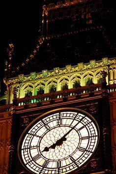 - Big Ben Clock Face