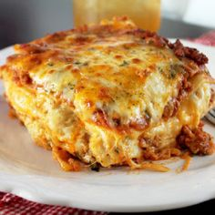 cajun cooking Nothing is more traditional than a lasagna dinner; take a break from the classics with this recipe for cheesy, delicious Louisiana Cajun Lasagna. Cajun Lasagna, Cheese Lasagna, Sausage Lasagna, Seafood Lasagna, Lasagna Casserole, Chicken Lasagna, Spinach Lasagna, Chicken Casserole, Louisiana Recipes