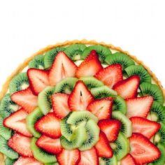 Kiwi Strawberry Tart with Cream Cheese Custard Filling. Great healthy Christmas dessert!