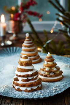 Piparikuuset | K-ruoka #joulu #piparkakku Christmas Food Treats, Xmas Food, Christmas Baking, Christmas Food Photography, Finnish Recipes, Biscuits, Slow Food, Merry Little Christmas, Food Crafts