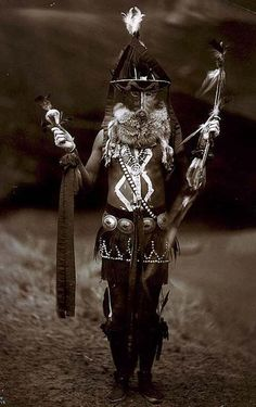 Zahadolzhaacute - Navajo man in full ceremonial dress (1904)