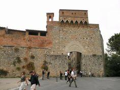 Main entrance gate, San Gimignano, Italy - San Gimignano