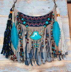 Gypsy purse festival bag fringe bag boho hippie bag hippie t Boho Hippie, Hippie Purse, Hippie Bags, Boho Bags, Bohemian Style, Festival Accessories, Bohemian Accessories, Fashion Accessories, Diy Bags Purses
