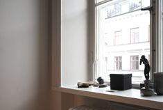 A look into the home of Swedish Architect Andreas Martin-Löf. During Stockholm Design week I had the chance to tour this stunning apartment. Andreas Martin, Window Ledge Decor, Swedish Design, House Tours, Architecture Design, Windows, Doors, Interior, Calming