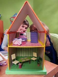 DIY dollhouse @makeitfuncrafts @elmersproducts @alextoys #craftsforkids