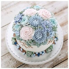 Repost ivenoven There's always room to be a better person. Pretty Cakes, Beautiful Cakes, Amazing Cakes, Cupcakes, Cupcake Cakes, Bolo Tumblr, Buttercream Flower Cake, Spring Cake, Dessert Decoration