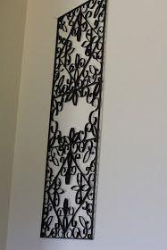 Las cosas que se pueden hacer con rollos de papel higiénico. This faux-cast-iron is actually made from recycled toilet paper rolls. Toilet Paper Roll Art, Paper Wall Art, Toilet Paper Roll Crafts, Diy Wall Art, Diy Wall Decor, Diy Art, Wall Decorations, Wall Décor, Diy Paper
