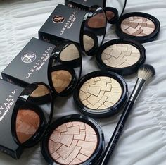 Anastasia Beverly Hills Illuminators - Our fave is 'So Hollywood' what is yours?