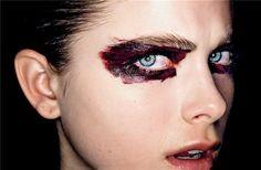 blood-eye-makeup