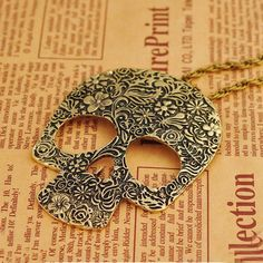 Vintage Gothic Big Skull Pendant Necklace For Ladies