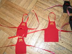 Mc Donald's aprons
