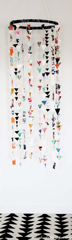 DIY crafts for the home easy. HOW TO MAKE paper mobile, very easy to make with decorated wrapping paper.