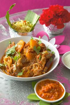 Lamb and butternut curry - Mmm, finally a way I'll eat butternut squash. South African Recipes, Indian Food Recipes, Lamb Dinner, Curry Dishes, Asian, Curry Recipes, Winter Food, Kos, Yummy Food