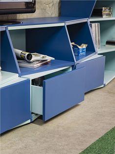 ZigZag Bookshelf By Henrique Steyer