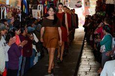 Cusco Always in Fashion 2013 reunió a exponentes de la moda peruana. Revive el desfile de inauguración. http://wp.me/p3slMF-G9 Imagen:diariocorreo.pe
