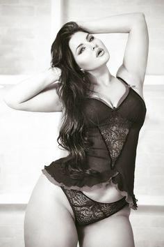 "juliyalavrova: ""Love your body."" plus size model Julia Lavrovа Photographer Helga Charina http://helgachar.tumblr.com/"