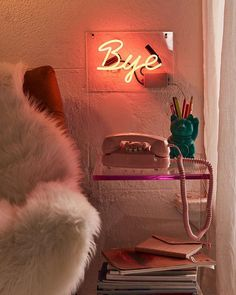 3 Quick Tips AND Tricks: Vintage Home Decor Living Room Cabinets classic vintage home decor couch.Vintage Home Decor Antiques Apartment Therapy vintage home decor shabby display.Vintage Home Decor Romantic Chairs. Led Neon, Décor Antique, Tumblr Rooms, Boho Home, Aesthetic Room Decor, Room Goals, Vintage Design, Home And Deco, Dream Rooms