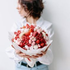Strawberry Fruit, Raspberry, Edible Bouquets, Candy Flowers, Flower Photos, Sweet, Smile, Food, Photos Of Flowers