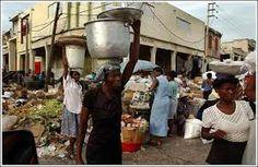 Hoy  Digital  Sin titubeos: El tema de Haití Por JOSÉ MANUEL GUZMÁN IBARRA  La economía de Haití es la más pobre de América y del hemisferio occidental, es decir, Haití es el país con menor PIB per cápita y uno de los más desiguales del mundo.  Es un estado fallido en tanto es casi incapaz de proveer a sus ciudadanos servicios básicos. Ocupa el lugar 138 en el mundo en relación al PIB y el lugar 161 en el Índice de Desarrollo Humano, uno de los más bajos del mundo.