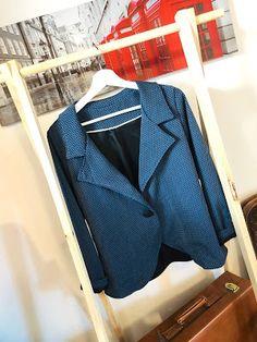 La couseuse de trucs: Veste Monceau : une folie passagère !! Comment un patron de gilet est devenu une veste ! Blazer, Blog, Jackets, Fashion, How To Sew, Stuff Stuff, Boss, Down Jackets, Moda