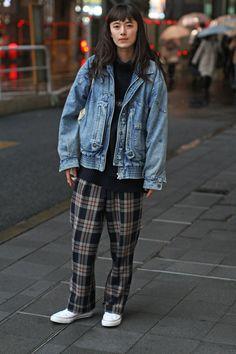 【スナップ】海外から見た日本のファッションは 米「WWD」がキャッチした2016-17年秋冬「メルセデス・ベンツ ファッション・ウィーク 東京」 ストリートスナップ(229枚) 32 / 224