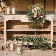 Decoración de boda industrial en La Estación – Cristina & Co. wedding planner #industrialwedding #bodaindustrial #wedding #boda