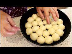 Мои любимые чесночные пампушки к борщу - YouTube Savoury Baking, Mini Pies, Bread And Pastries, Ravioli, Gnocchi, Crepes, Bakery, Vegan Recipes, Food And Drink