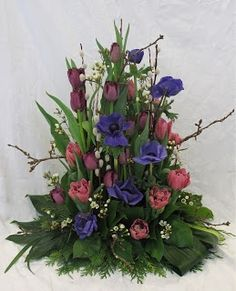 spring floral arrangements | Spring flower arrangement | Flower Arranging