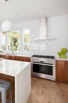 Kitchen Inspirations, Living Room Kitchen, Kitchen Family Rooms, Kitchen Remodel, Kitchen Decor, Modern Kitchen, New Kitchen, Plywood Kitchen, Home Kitchens