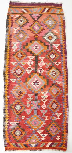 Sukan / VINTAGE Turkish Kilim Rug Carpet  handwoven kilim door sukan..... love this one!