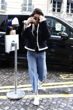 Kendall Jenner Out in Paris 03/04/2017. Celebrity Fashion and Style | Street Style | Street Fashion