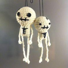 esqueletitos amigurumi <3
