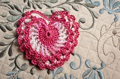 Elegant Heart Crochet Pattern | Mad Mad me | I'm not much of a sucker for Valentine's Day, but I'm a complete sucker for crochet... so I decided to make a fancy version, and have written the pattern out so you can whip a couple up for someone you care about.