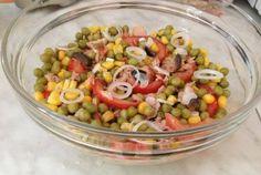"Salata ""Rio mare insalatissime"" Pavlova, Rio, Salads, Vegetables, Salad, Vegetable Recipes, Chopped Salads, Lettuce, Veggies"
